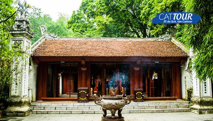 Đền thờ Vua Hùng luôn là nơi tham quan thu hút nhiều du khách