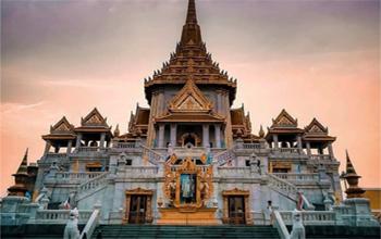 Thỉnh Phật tại chùa Phật Vàng