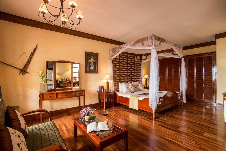 Thiết kế và phong cách trang trí phòng rất sang trọng và ấm cúng