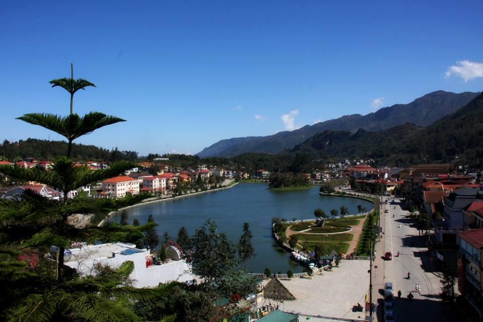 View từ Victoria Sapa Resort & Spa ra hồ Sa Pa