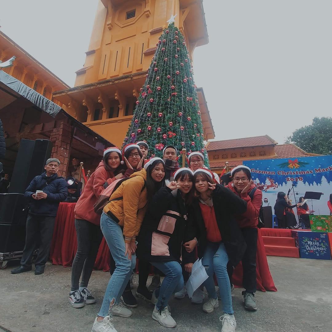 Nhà thờ Cửa Bắc năm nào cũng có rất nhiều người đến tham quan, vui chơi và đến dự lễ cầu nguyện vào đêm Noel