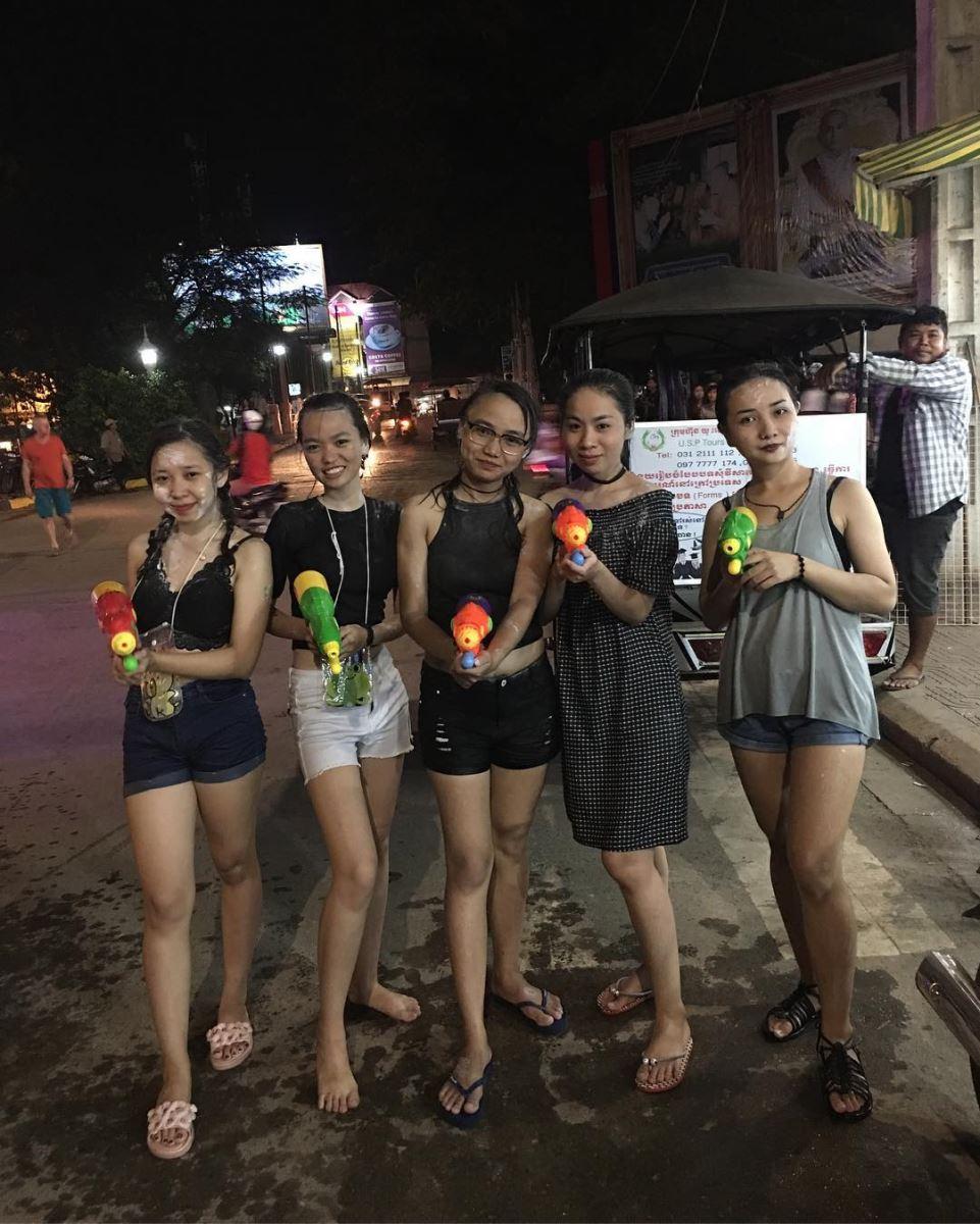 Người Campuchia và lễ hội té nước dịp Tết