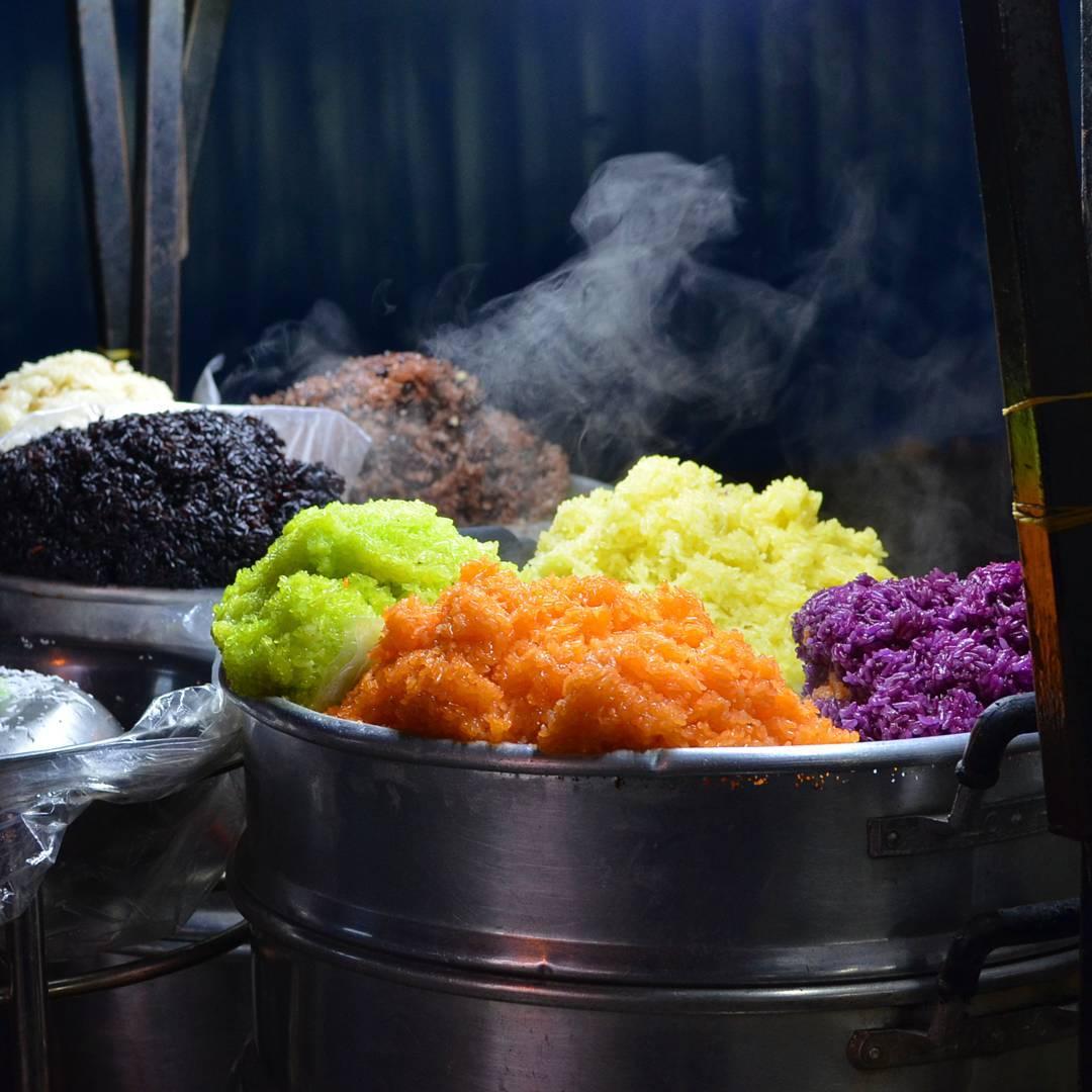 Xôi ngũ sắc - món ăn cổ truyền của các dân tộc ở Hà Giang vào ngày Tết