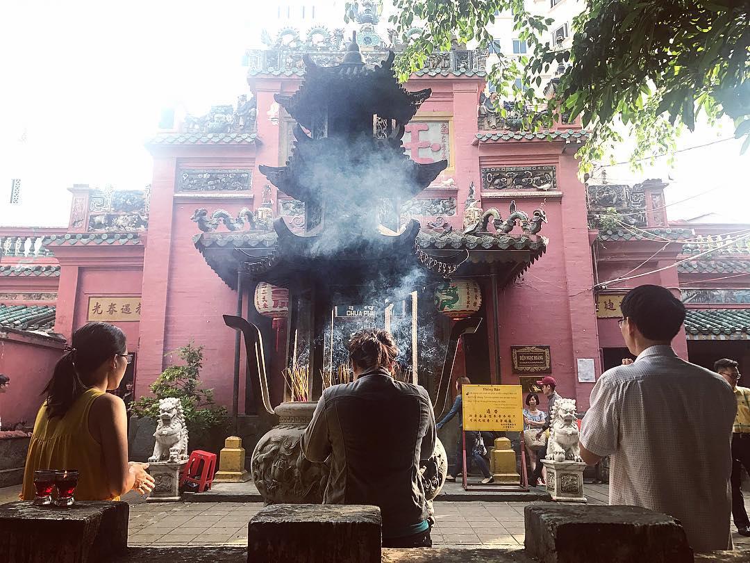 Chùa Ngọc Hoàng được cho là ngôi chùa linh thiêng nhất ở Sài Gòn