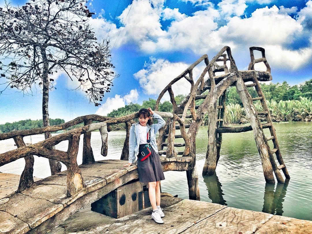 """Cây cầu """"trứ danh"""" ở khu du lịch Bò Cạp Vàng"""