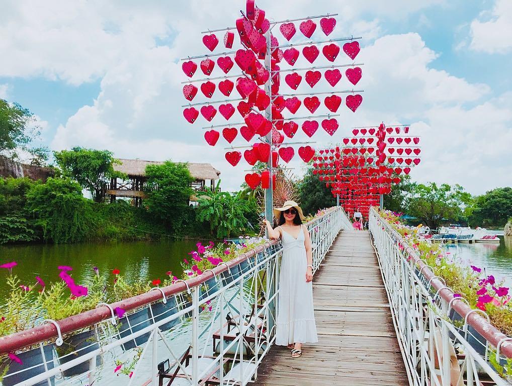 Cảnh quan ở khu du lịch Bửu Long rất đẹp mắt và lãng mạn