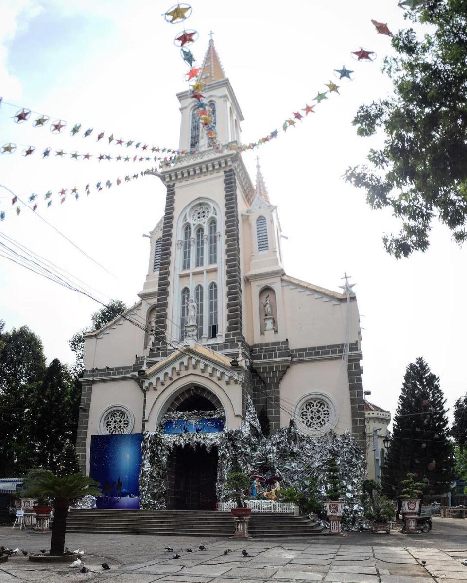 Nhà thờ Huyện Sĩ